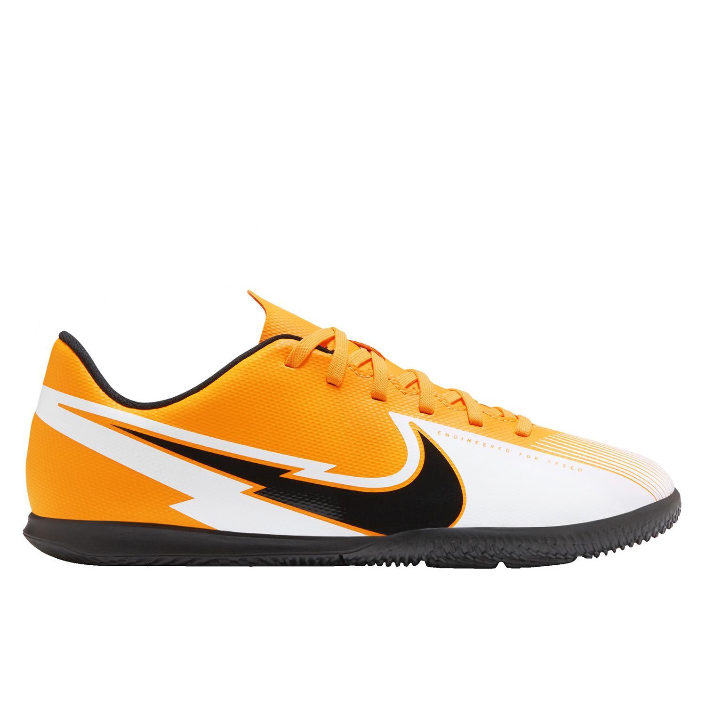 cráneo Hacia fuera móvil  Nike Jr. Mercurial Vapor 13 Club IC Little/Big Kids Soccer Shoe in Orange -  Intersport Australia